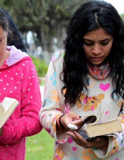 Biblia y Pijamas